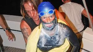 photo of Diana Nyad pulled from marathon swim to FLA
